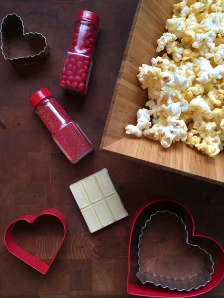 Valentines Day Chocolate Popcorn // Life Anchored