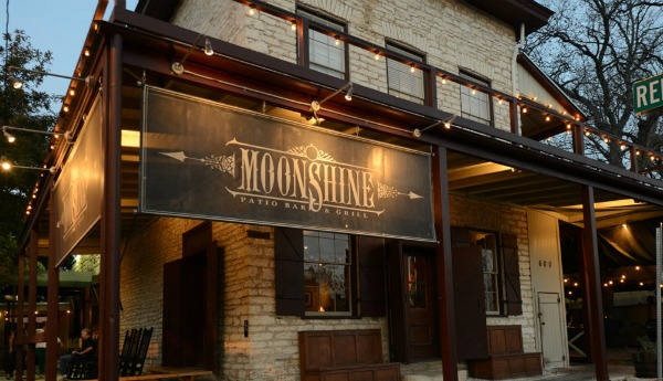 romantic-restaurants-in-austin-moonshine-grill