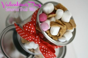 Valentines Day Treat: S'mores Trail Mix