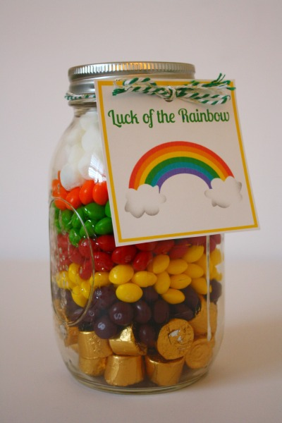 St Patrick's Day Rainbow Jar // Life Anchored #stpatricksday