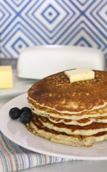Easy Blueberry Pancakes // Life Anchored #ad #12DaysofPancakes