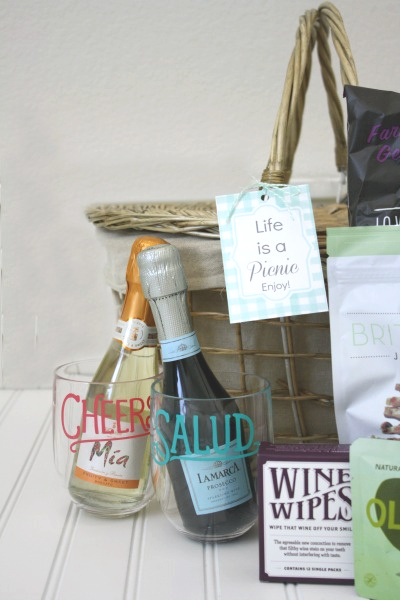 Putting Together a Picnic Basket // Life Anchored