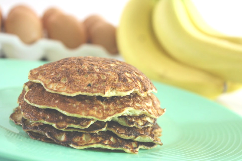 Easy Banana Pancakes // Life Anchored
