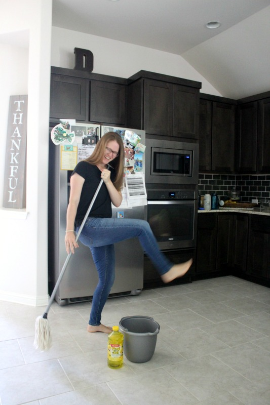 Tips for Accomplishing Your Cleaning Goals This Year // Life Anchored AD