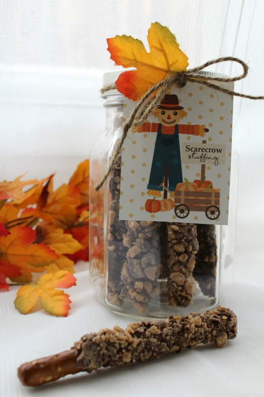 Scarecrow Stuffing Treat DIY // Life Anchored