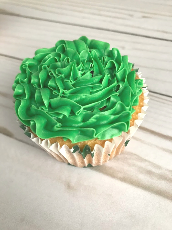 St. Patrick's Day Magical Rainbow Cupcakes // Life Anchored
